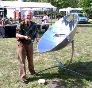 Demonstratie van de Sun-cooker.